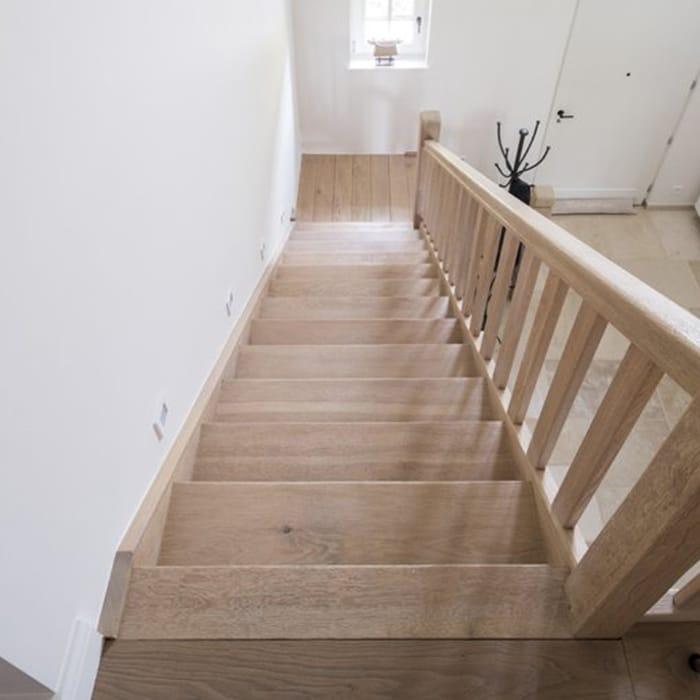 Zandstralen meubels houten balken trappen deuren for Vaste trap laten plaatsen