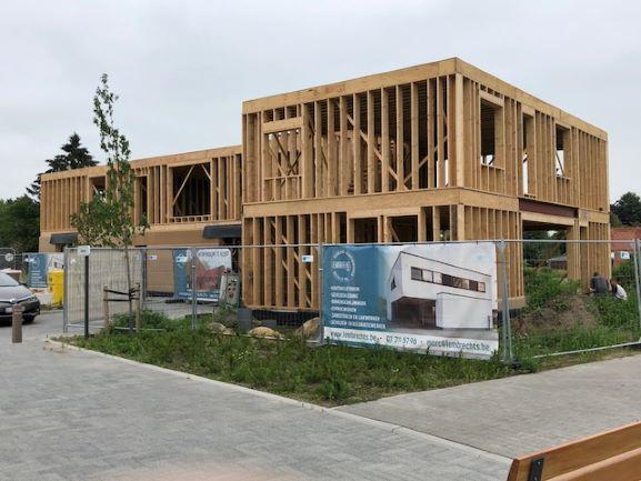 Houtskeletbouw BEN woningen in opbouw Wuustwezel